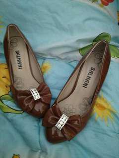 Sepatu high heels balnani