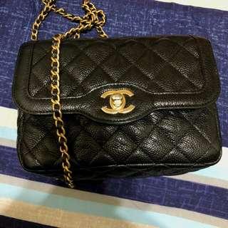 Vintage Chanel黑色魚子醬金扣mini flap bag小方胖 18x13.5x6cm