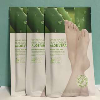 Nature republic real squeeze aloe vera peeling foot mask