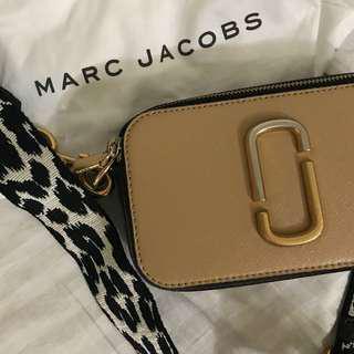 Marc Jacobs 配色豹紋背帶小包