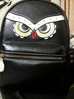 🚚 英國貝蒂聯名款酷鷹後背包