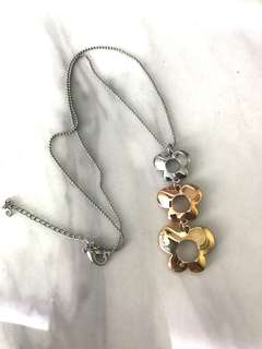 Women Necklace with pendant