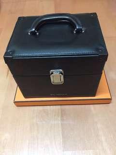 🚚 植村秀皮革化妝箱
