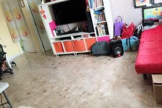 Spacious HDB 4rm @ Tanah Merah MRT for sale