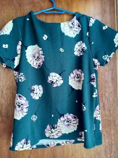 Green floral zip-back top