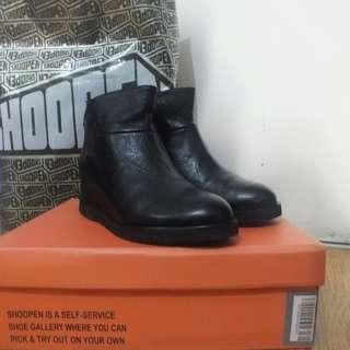 SHOOPEN BLACK BOOTS NEW