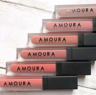 Amoura classic collection
