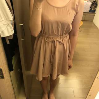 🚚 韓版 淺粉色雪紡短洋裝 腰部伸縮設計