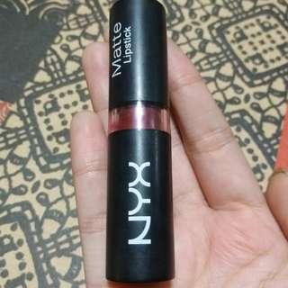 NYX Matte Lipstick Siren