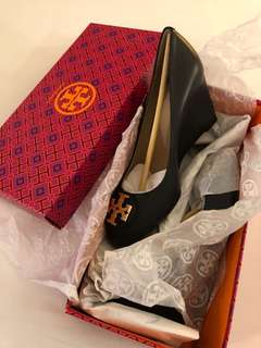 tory burch new size 7.5 same 38