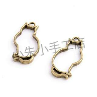 [PO] 19*36mm Antique bronze Alloy Hollow Cat Charm Pendant Resin Jewelry Making Pendant {15 Pieces}