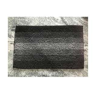 🚚 Non-slip design bath mat grey