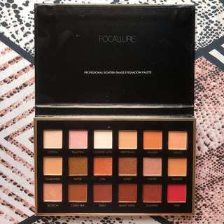 Focallure we care your favors 18 shades full function palette 02 neutrals