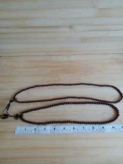 一手兩條 5mm 及6mm 22/24吋紅珠串, 可作三行手鍊配戴