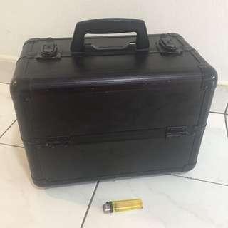 [Preloved] Professional Makeup Box