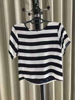Crop top with dark blue stripes