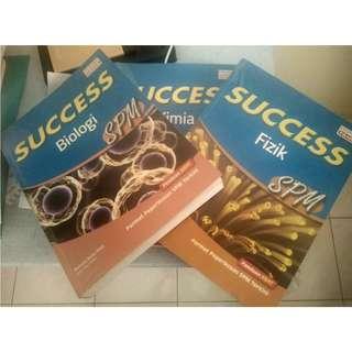 SUCCESS Buku Rujukan Biologi, Fizik dan Kimia