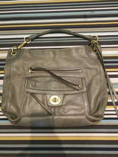Coach leather bag (AUTHENTIC) preloved