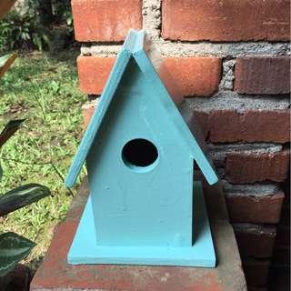 Birdhouse decor (teal)
