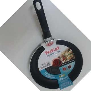 EXPAT's KITCHEN! Brand new TEFAL frying pan 28cm