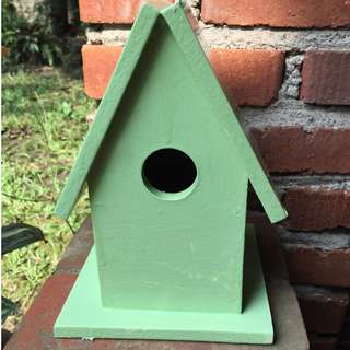 birdhouse decor (light green)