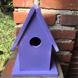 Birdhouse decor (purple)