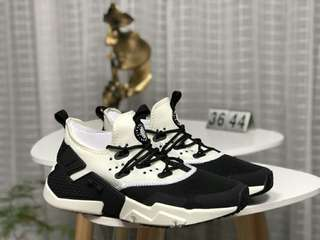 NIKE AIR HUARACHE RUN DRIFT PRM耐克華萊士6代系列