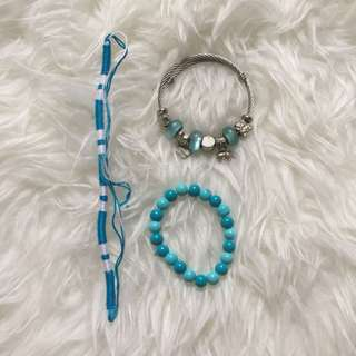 ASSORTED BLUE ACCESSORIES