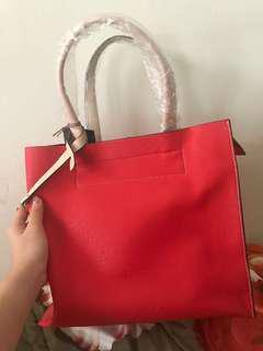 Tas wanita merah