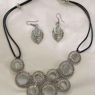 BN Necklace and Earrings set