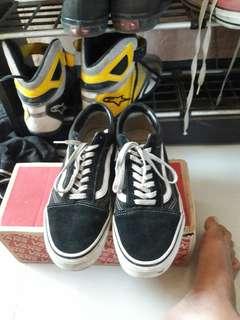 Sepatu Vans Old Skool Black