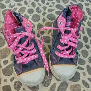 Sepatu anak perempuan Disney Minnie Mouse