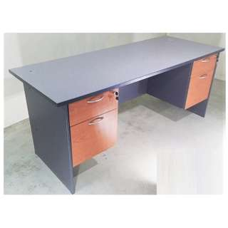 6' Writing table with 2 Fixed Pedastal 2D