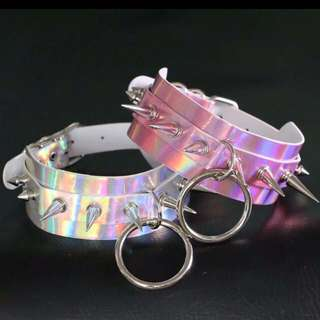 🚚 Holographic ring spike choker