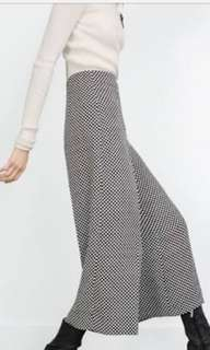 ZARA WOMAN polkadot trouser, only used 2 times, mulus; fit to M and L size; 300 rb plus ongkir, No nego ya sis