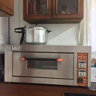 Kitchen Appliance - Electric Oven