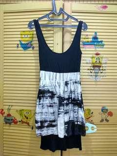 Dress Abstrak