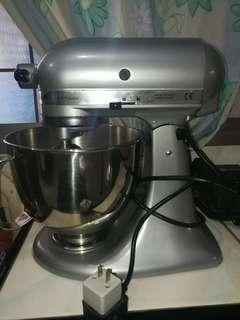 KitchenAid ARTISAN mixer 5qt