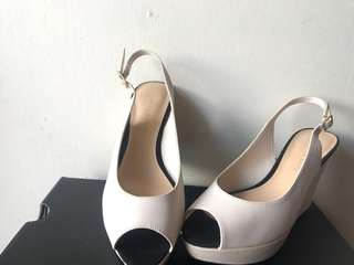[All must go] Charles & Keith Sexy Open Toe Wedges