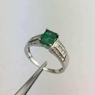 18K白金戒指 1卡86份綠寶 28份鑽石 18K Withe gold Ring 1.86ct Emerald 0.28ct Diamond  可議價