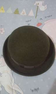 Preloved Uniqlo Bowler Hat