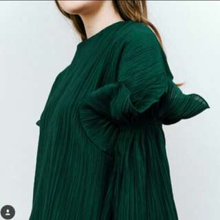 Love and flair pleated top