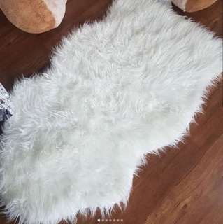 IKEA SHEEPSKIN SKOLD WITH ANTI SLIP