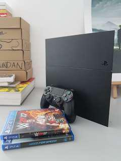Ps4 with 3 game model 1206a