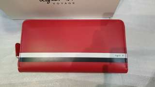 全新agnes b長銀包,紅色