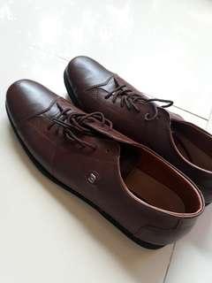 Sepatu Kulit Pria Brown