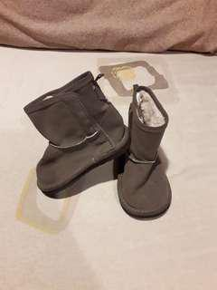 Baby boots GAP