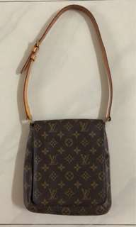 Louis Vuitton mini musette