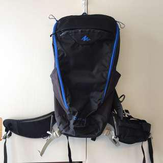 迪卡龍 15L 行山背包