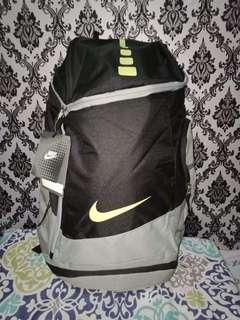 Nikeelite bag and socks